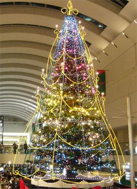 クイーンズスクエアクリスマスツリー